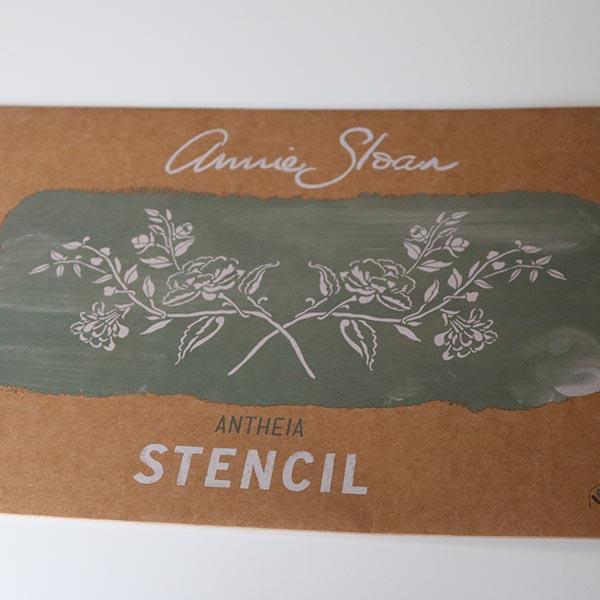 Anthea stencil fra Annie Sloan Chalk Paint