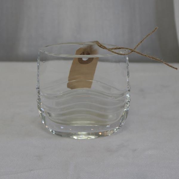 Klart vase med bølger