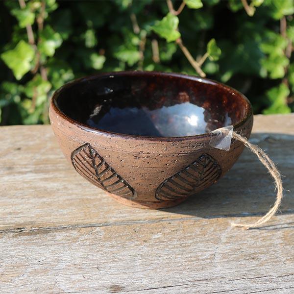 keramik-skaal-bladmønstret -laholm-2519-10-cm