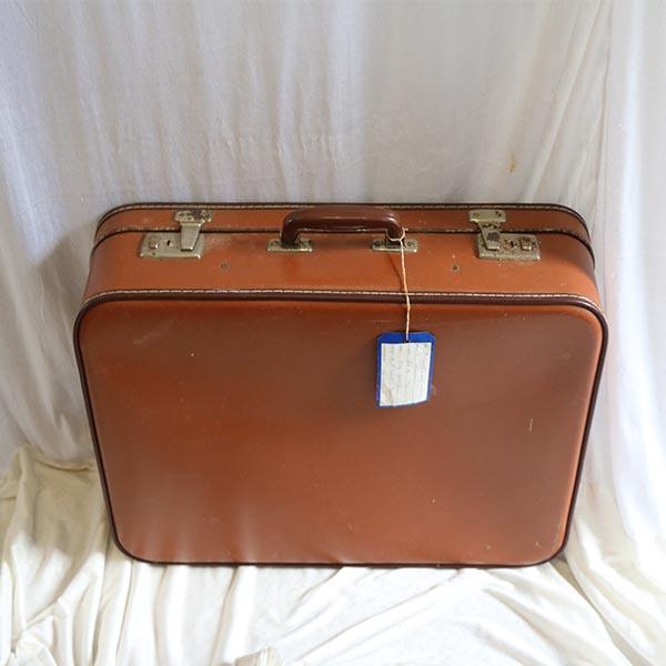 Brun kuffert - ternet inde i