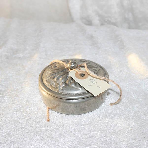 Lille tin smykkeskrin - smukkt dekoreret