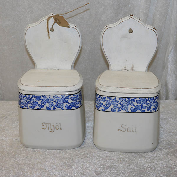 Saltkar og Mjol fra Sverige i hvidt blåt
