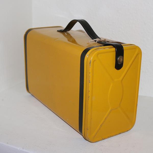 11 Carrygul retro metalmadkasse 32 x 18 cm