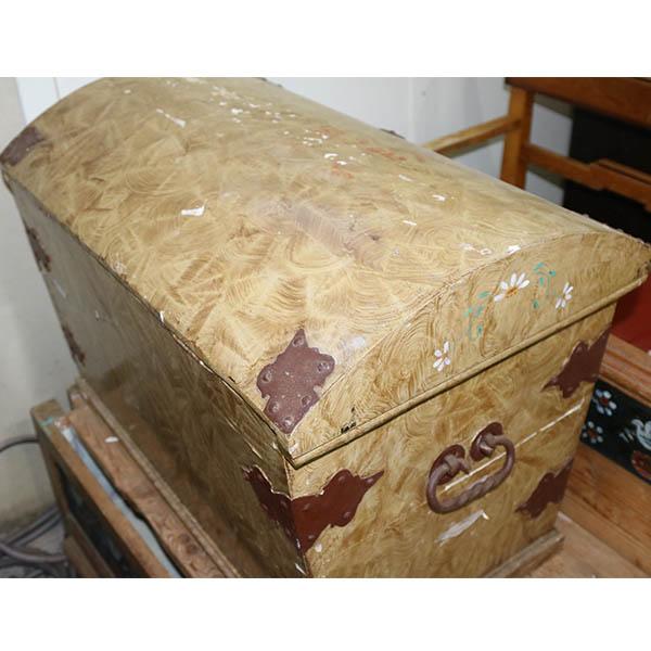 Mamoreret beige kiste - billigt - godt kup 75x47x55 cm