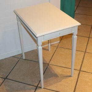 Hvidt sidebord med dyb skuffe 55x38x59 cm