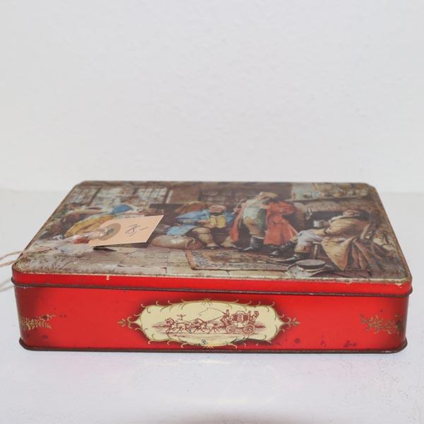 26 Gammeldags kagedåse rød 24 x 18 x 5 cm