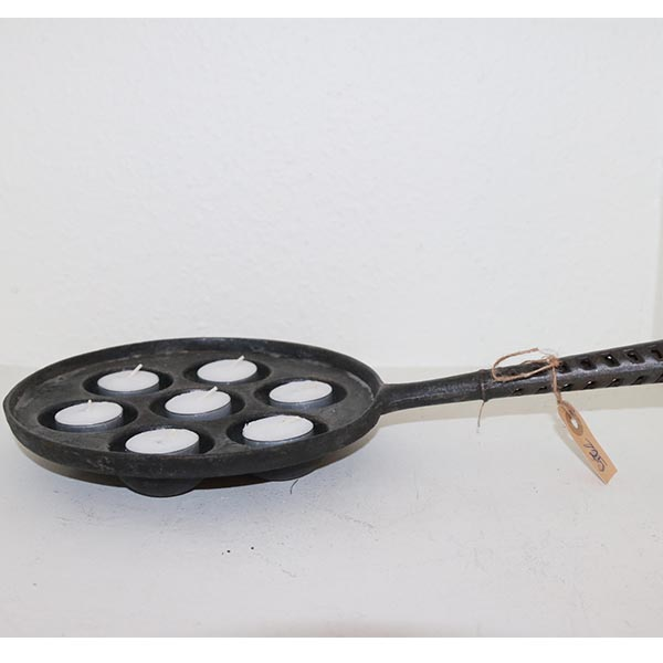 34 Æbleskivepande i sort metal