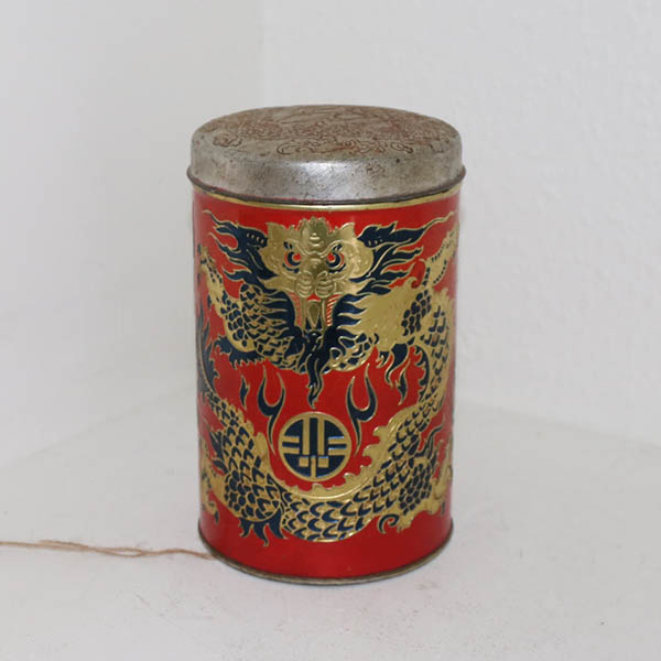 Kinesisk look dåse Ø 11 x 18 cm sort rød stål