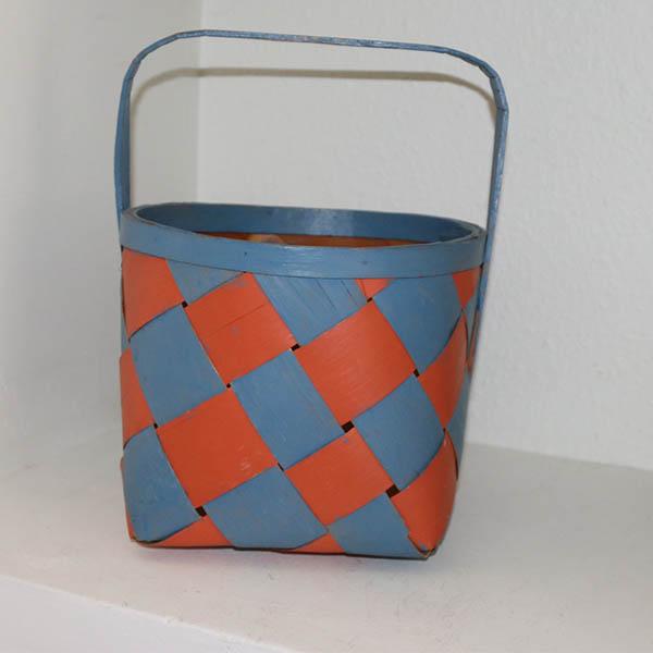 Kurv rød blå malet - firkantet 24 x 24 x 20 cm