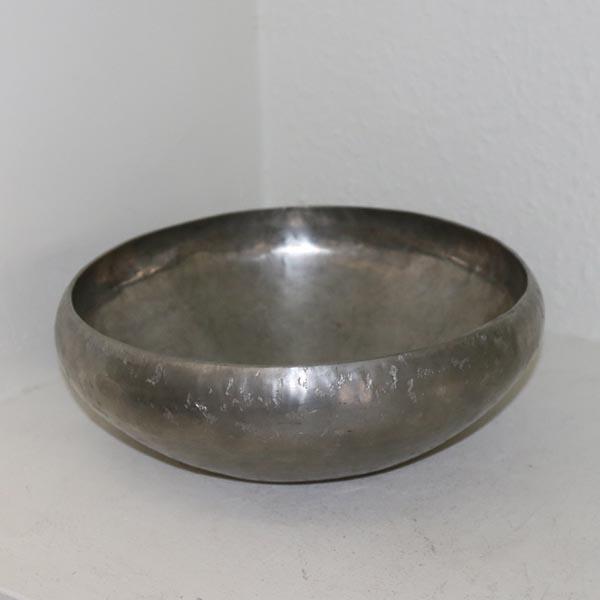Tin skål slået design Ø 26 x 10 cm