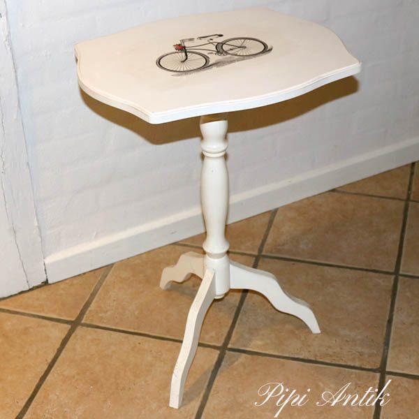 Sidebord i hviddt med cykel motiv 49x39x63 cm