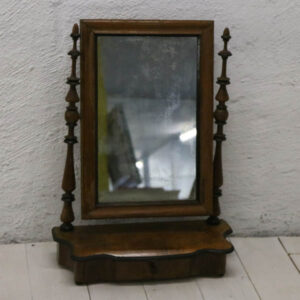 Pigtitare spejl - med skuffe H64xB47xD20 cm