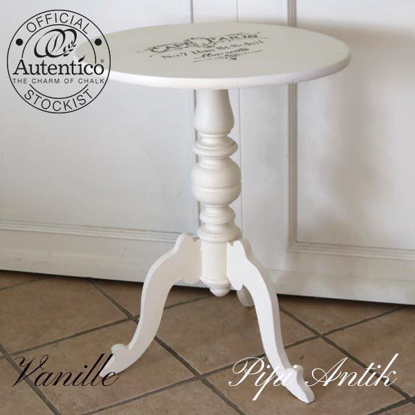 Vanille cafebord romantisk med Cafe Paris stencil motiv L49xB44,5xH74 cm