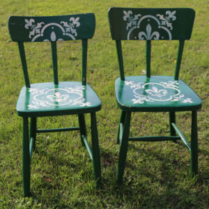 Grønne stole med creame stencils 40x40x80 cm (45 cm siddehøjde) - uens