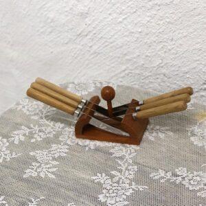 12 Smørknive i lyst træ 10x 9 cm - retro