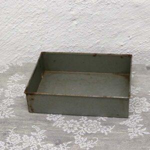 15 Metalbakke 24,5x18,5x6 cm