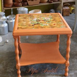 Sofabord - retro - med orange kakler 53x52x53 cm