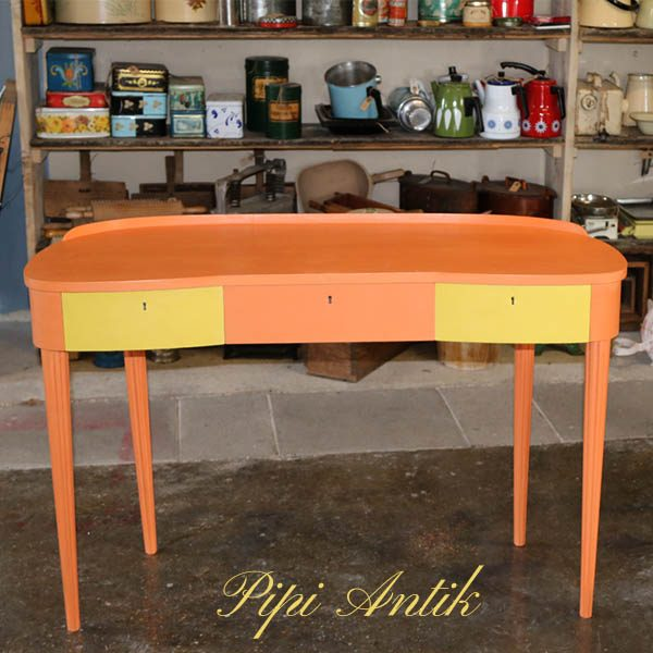 Retro sminkebord - Barcelona Orange og English Yellow - 110x44x70,5 cm H