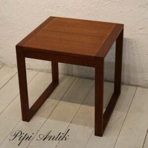 Teak sofabord - ren stil - 44,5x45x46 cm H