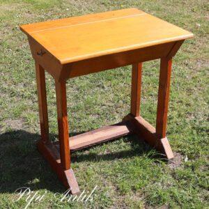 Skoleskrivebord - uden stol - L65xD50xH72 cm