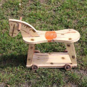 Træhest - legetøj - til pynt - L44xB14,5xH33 cm