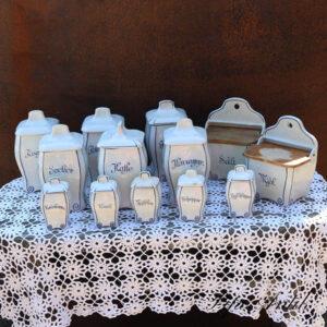 Geffle serie af 6 krukker 2 saltkar str og 5 små - hvid blå mønstret Svensk