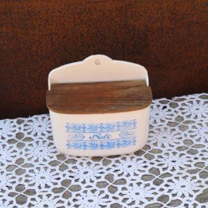 Saltkar i plastik - retro - blå mønstret 15x17x16 cm