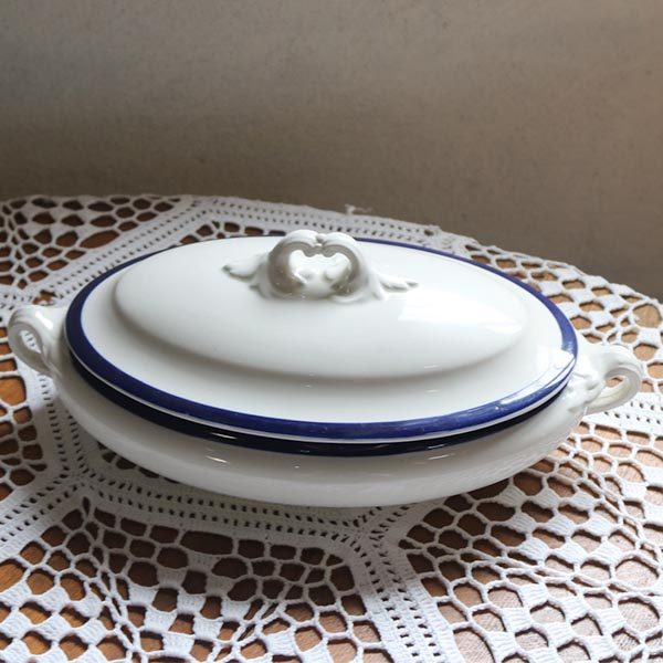 Terrin - lav - hvid - blåkantet - 33x18x12 cm