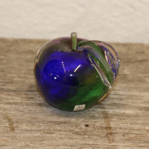 Grøn blålig æble glas brevvægt Grönna Glasbruk Ø7,5 cm
