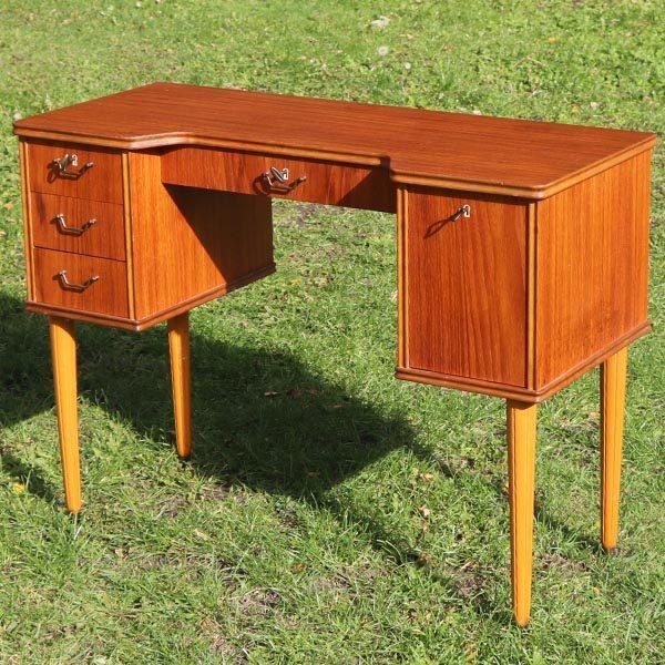 Teak skrivebord eller sminkebord 95x40x71 cm