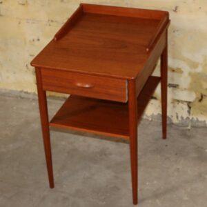 Teak sidebord med skuffe eller natbord B34xD42xH53 cm