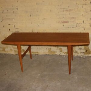 Teak sofabord med lyst ramme i slankt look 136x51x53 cm