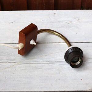 Teak væglampe uden skærm 7x6,5 cm brættet