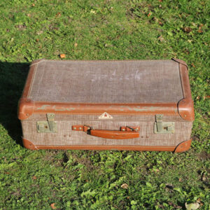 Retro brunlig kuffert i tern 57x37x20 cm