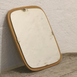 Retro spejl i lyst træsort 31x31 cm