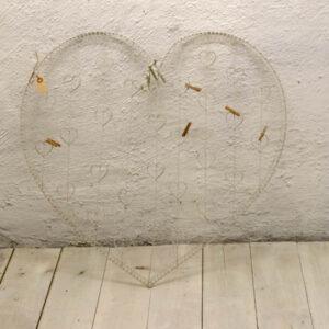 Hjerteformet romantisk metal opslagstavle nyere B72x69 cm H
