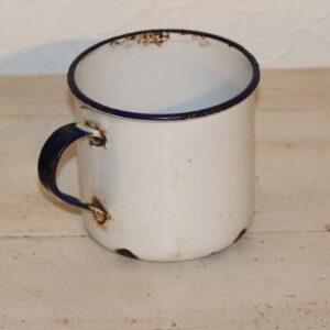 Kop hvid emalje med blå kant Kockums Ø10x11 cm