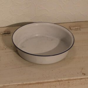 Balje Kockums hvid emalje blåkant Ø16x6 cm