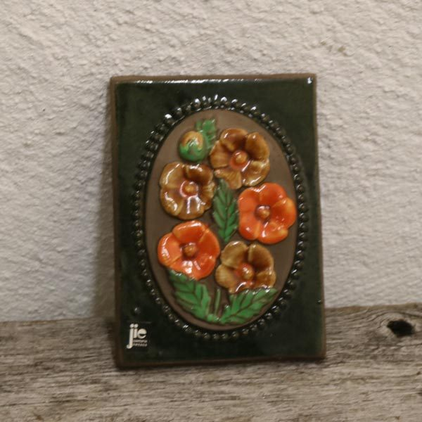 33 Keramik billede JIE svensk orange blomster 11x15,5 cm
