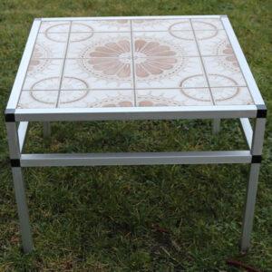 Retro sofabord med alukant og kakler 67x67x49 cm H