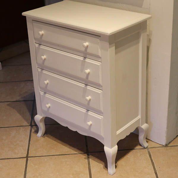 Hvid kommode elegant og robust Old White 59x32,5x77 cm H