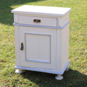 Hvid natbord potteskab klakkerlereffekt 59x37x76 cm