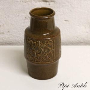 Retro vase oliven farvet Ø8x18 cm