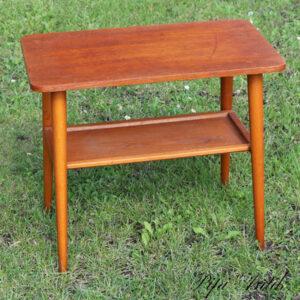 Teak minibord med underhylde med brugsspor 57x33x50 cm