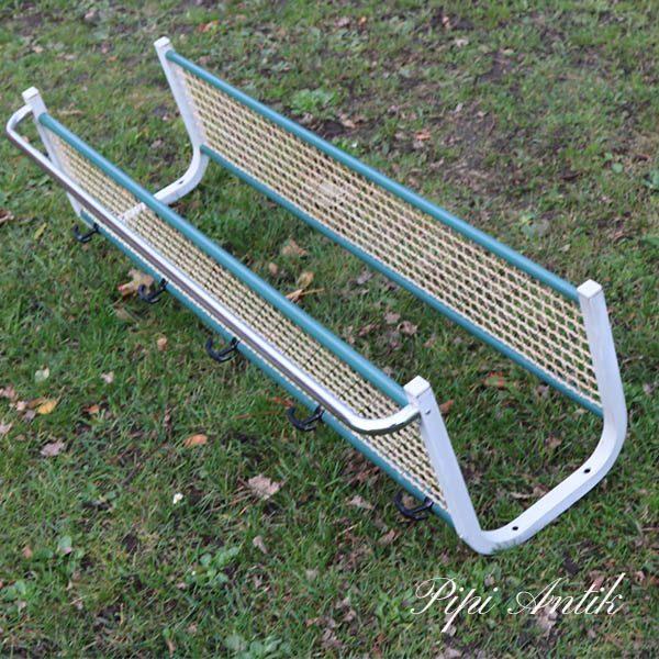 05 Industri metal knage med hattehylde hvid tyrkis L110xD29xH34 cm