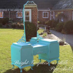 Sminkebord i lys tyrkis Bright Turquoise Autentico kalkmaling L120xD48xH65 cm total højde 171 cm