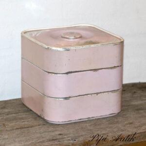 Retro dinerlook Kagedåse i 3 etager lyserød 23x23x7,5 cm