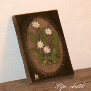 44 JIE Svensk keramikbillede hvideblomster B14xH18 cm