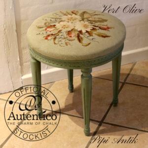 Skammel Vert Olive Autentico blomstbroderi Ø42x43 cm