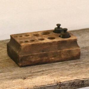 Vægtlodde 2 små i kasse resten manglede L18,5x11 cm B